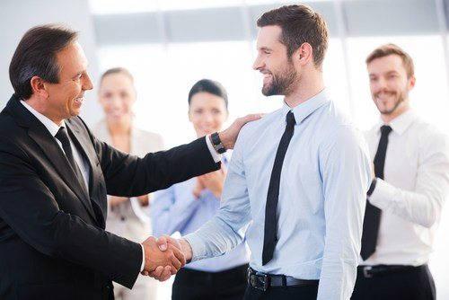 Las 5 preguntas que debe hacerse un directivo para ganarse la confianza de sus empleados | UNIR