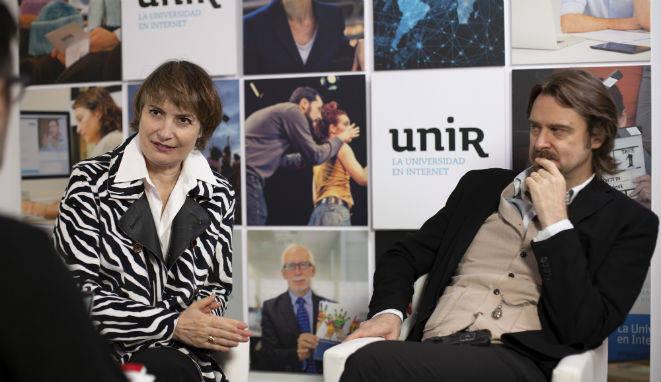 Assumpta Serna y Scott Cleverdon, durante la entrevista en UNIR. (Fotos: Teresa Palma).