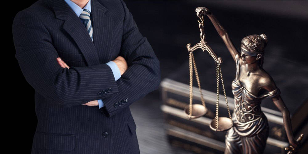 Para ejercer como abogado, hay que cursar el Máster en Ejercicio de la Abogacía
