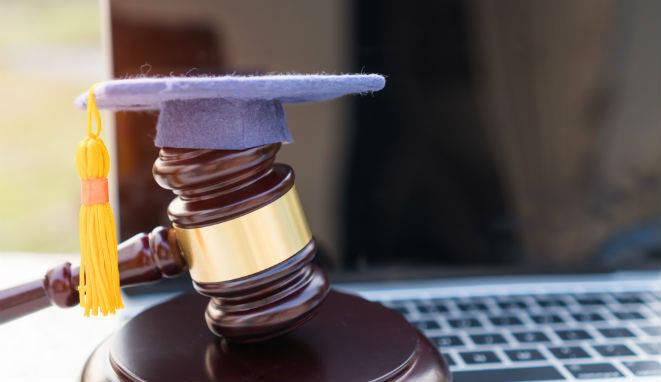 ¿Qué máster o carrera estudiar después de Derecho?
