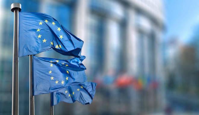 ¿Cómo ejercer la abogacía en la Unión Europea?