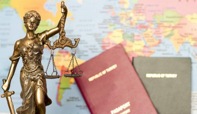 Como estudiante o graduado en Derecho es posible que te hayas planteado la posibilidad de vivir una experiencia laboral fuera de España.
