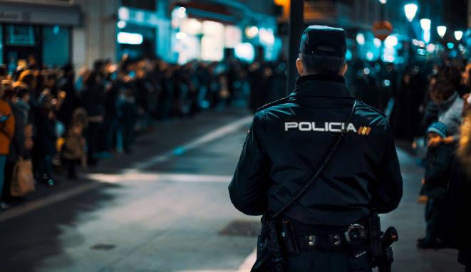 Qué másteres para Policías en activo que quieran actualizar su currículum o ascender en su carrera en el cuerpo policial. existen.