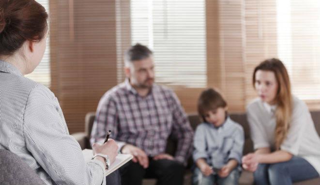 La Psicología familiar es la rama de la Psicología que estudia e interviene en los problemas que afectan a la unidad familiar.