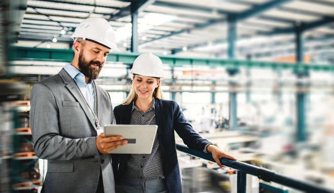 Los profesionales con estos perfiles contribuyen a la mejora del medio ambiente, y permiten a las organizaciones que puedan entrar en nuevos mercados, más exigentes, y ayudar a la cuenta de resultados de las empresas.