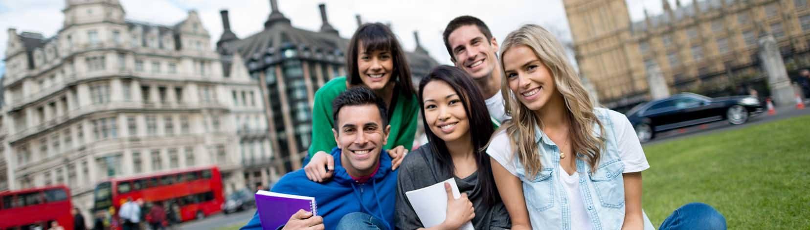 Grupo de estudiantes en Londres