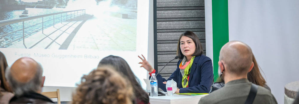 Daniela reyes conferencia